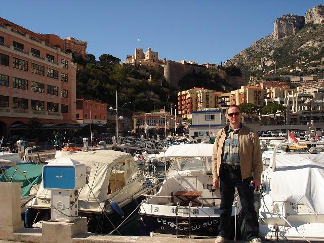 Монако. На фоне Королевского дворца